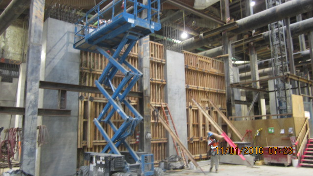 exposition-crenshaw-station-removal-of-formwork-for-previously-placed-interior-wall