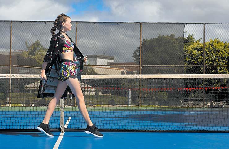 Conjunto de top y pantaloneta. Zapatillas deportivas Michael Jordán. Sport Line