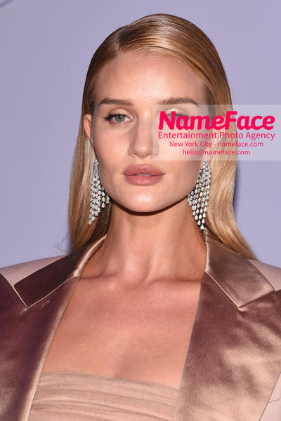 Tom Ford Womens - Runway Show FW18 Rosie Huntington-Whiteley - NameFace Photo Agency New York City - hello@nameface.com - nameface.com - Photo by Steve Eichner