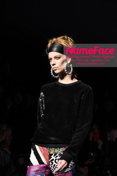 Tom Ford Womens - Runway Show FW18 Lexi Boling - NameFace Photo Agency New York City - hello@nameface.com - nameface.com - Photo by Steve Eichner