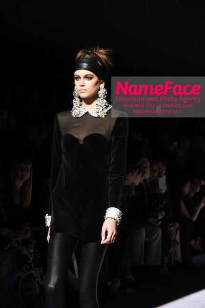 Tom Ford Womens - Runway Show FW18 Kaia Gerber - NameFace Photo Agency New York City - hello@nameface.com - nameface.com - Photo by Steve Eichner