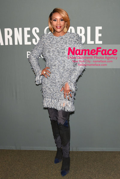 Vivica A. Fox book signing Every Day Im Hustling Vivica A. Fox - NameFace Photo Agency New York City - hello@nameface.com - nameface.com - Photo by Daniela Kirsch