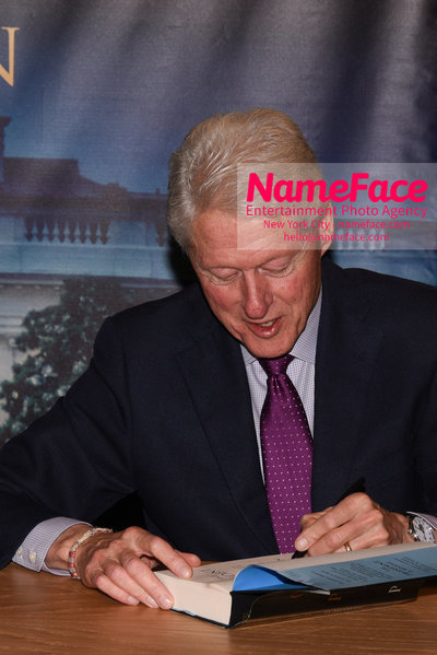 Book Signing Of The President Is Missing By Bill Clinton And James Patterson Bill Clinton - NameFace Photo Agency New York City - hello@nameface.com - nameface.com - Photo by Daniela Kirsch