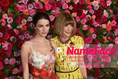 Tony Awards 2018 - Arrivals Bee Shaffer and Anna Wintour - NameFace Photo Agency New York City - hello@nameface.com - nameface.com - Photo by Daniela Kirsch