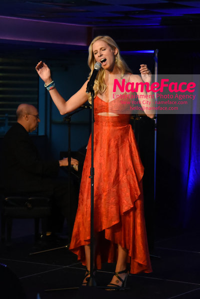 Fran Dreschers Cabaret Cruise Dinner Cancer Schmancer Stephanie Gibson - NameFace Photo Agency New York City - hello@nameface.com - nameface.com - Photo by Daniela Kirsch