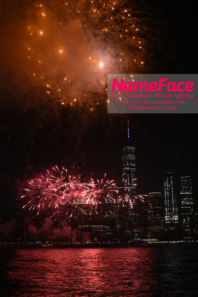 50 Star Fire Show - Jersey City Celebrates Fourth Of July Independence Day Atmosphere - NameFace Photo Agency New York City - hello@nameface.com - nameface.com - Photo by Daniela Kirsch