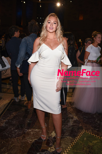 Christian Siriano Runway Show NYFW Iskra Lawrence - NameFace Photo Agency New York City - hello@nameface.com - nameface.com - Photo by Daniela Kirsch