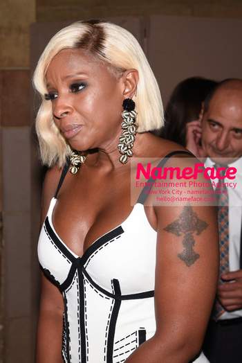 Dennis Basso NYFW with Mary J. Blige Mary J. Blige - NameFace Photo Agency New York City - hello@nameface.com - nameface.com - Photo by Daniela Kirsch
