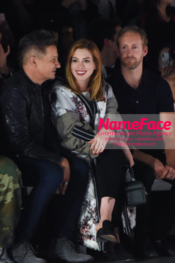 Anne Hathaway - Bosideng Fashion Runway Show NYFW 2018 Jeremy Renner, Anne Hathaway and Adam Shulman - NameFace Photo Agency New York City - hello@nameface.com - nameface.com - Photo by Daniela Kirsch