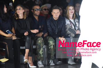 Anne Hathaway - Bosideng Fashion Runway Show NYFW 2018 Olivia Palermo, Jeremy Renner and Anne Hathaway - NameFace Photo Agency New York City - hello@nameface.com - nameface.com - Photo by Daniela Kirsch