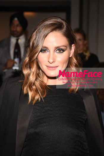 Anne Hathaway - Bosideng Fashion Runway Show NYFW 2018 Olivia Palermo - NameFace Photo Agency New York City - hello@nameface.com - nameface.com - Photo by Daniela Kirsch