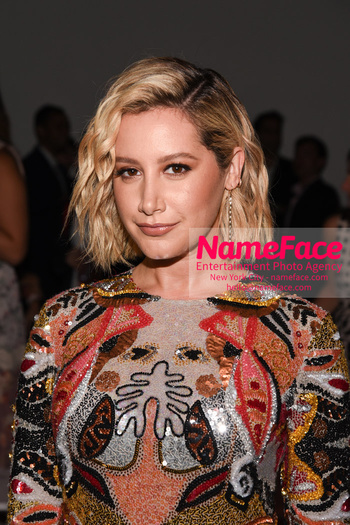 Naeem Khan Runway Fashion Show Front Row Ashley Tisdale - NameFace Photo Agency New York City - hello@nameface.com - nameface.com - Photo by Daniela Kirsch