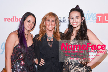 TLC Give A Little Awards 2018 Ari Jennings, Jeanette Jennings and Jazz Jennings - NameFace Photo Agency New York City - hello@nameface.com - nameface.com - Photo by Daniela Kirsch