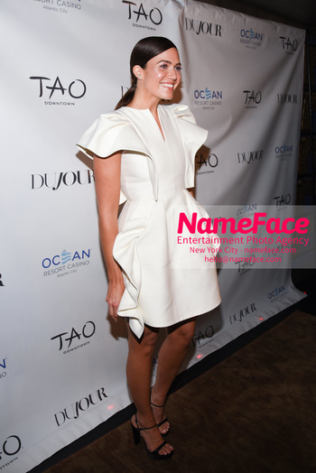 DuJour Magazine Celebrates The Fall Issue Mandy Moore - NameFace Photo Agency New York City - hello@nameface.com - nameface.com - Photo by Daniela Kirsch