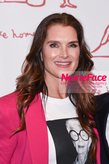 Take Home A Nude 2018 Brooke Shields - NameFace Photo Agency New York City - hello@nameface.com - nameface.com - Photo by Daniela Kirsch