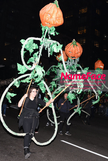 Greenwich Village Halloween Parade Atmosphere - NameFace Photo Agency New York City - hello@nameface.com - nameface.com - Photo by Daniela Kirsch