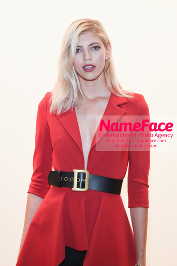 Chiara Boni La Petit Robe - Front Row - February 2019 - New York Fashion Week Devon Windsor - NameFace Photo Agency New York City - hello@nameface.com - nameface.com - Photo by Daniela Kirsch