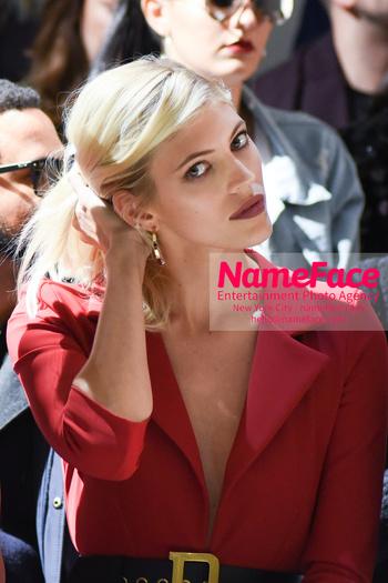 Chiara Boni La Petit Robe - Front Row - February 2019 - New York Fashion Week Devon Windsor - NameFace Photo Agency New York City - hello@nameface.com - nameface.com - Photo by Daniela Kirsch