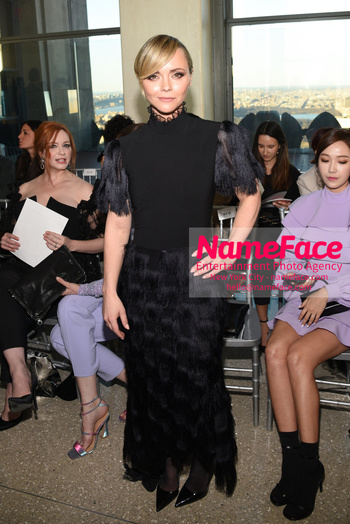 Christian Siriano - Front Row - February 2019 - New York Fashion Week Christina Ricci - NameFace Photo Agency New York City - hello@nameface.com - nameface.com - Photo by Daniela Kirsch
