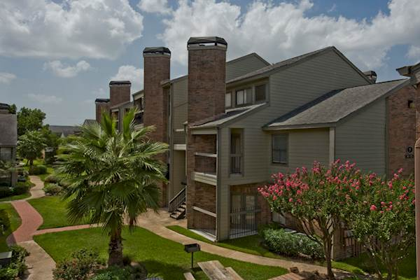 Affordable And Luxurious Apartments And Lofts In Dallas Fort Worth CW33 N