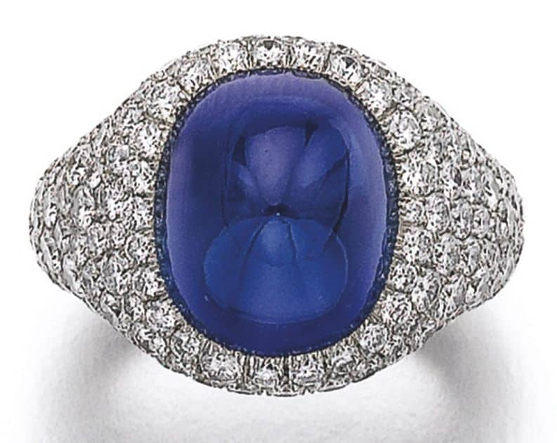 Lot 329 - Sapphire and Diamond Ring