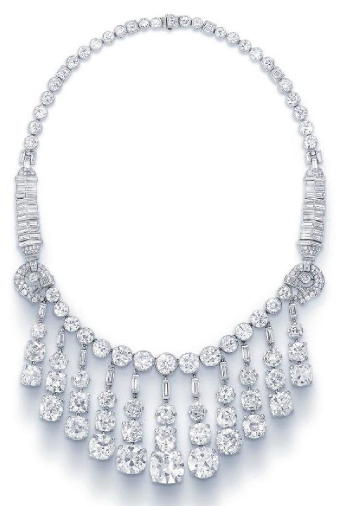 LOT 265 - A SUPERB DIAMOND FRINGE NECKLACE BY CARTIER
