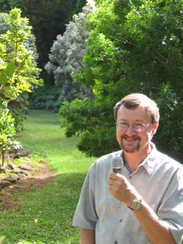 Hibiscus genevii   - David Lorence, PhD, NTBG Director of Science, talking about Hibiscus genevii