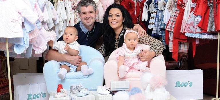 這對雙包胎嬰兒的聖誕禮物居然價值25000英鎊!