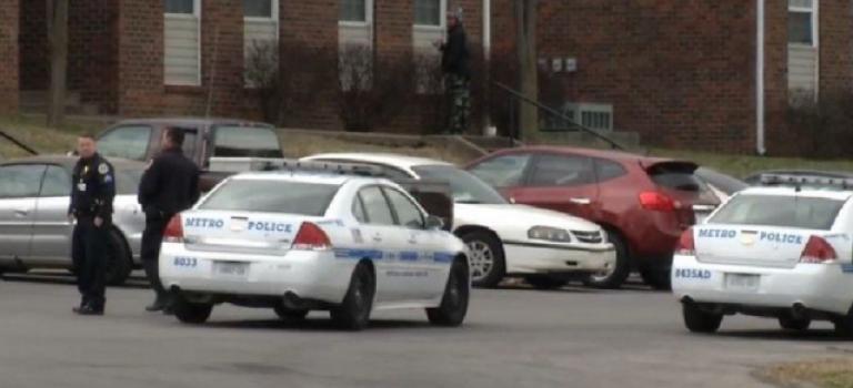 「震驚」16歲少年因不願起床開槍射殺全家