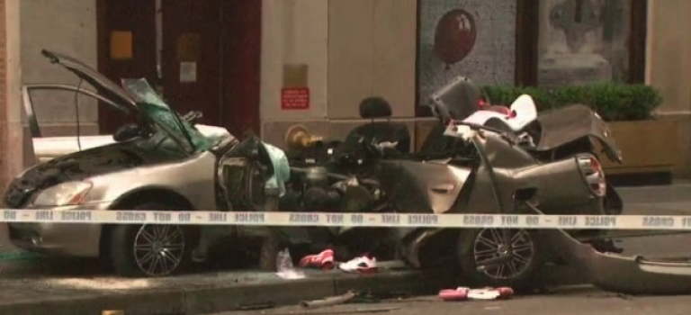 曼哈頓中城跑車撞消防栓車禍,一死一重傷!