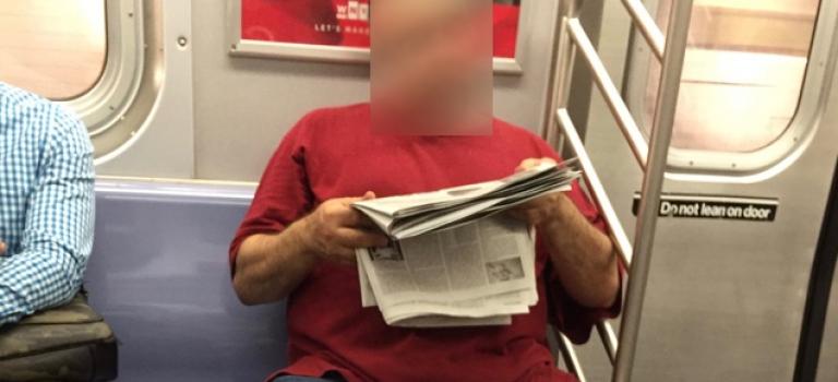 """紐約地鐵出現變態男子,竟然將""""蛋蛋""""外露!"""