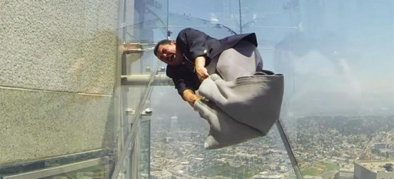 洛杉磯驚現高空玻璃滑梯!勇者都怕,你敢上嗎?