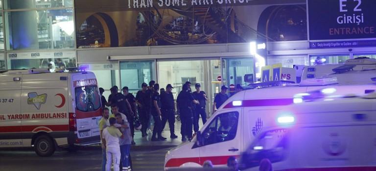 土耳其伊斯坦布爾機場發生2起爆炸和槍擊事件,已致28死60傷