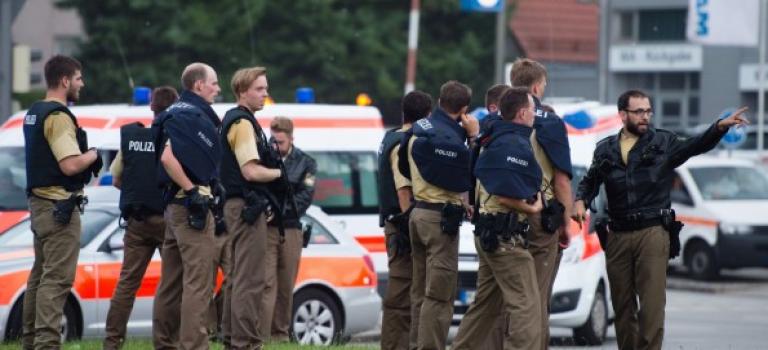 德國慕尼黑發生恐怖槍擊案,6人死亡槍手在逃