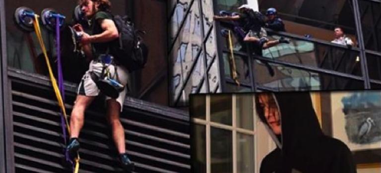 【視頻】不是拍電影!男子學蜘蛛人攀爬川普大樓!