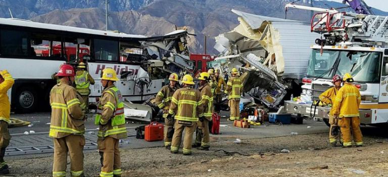 13死31傷!美國加州高速公路發生35年來最嚴重車禍
