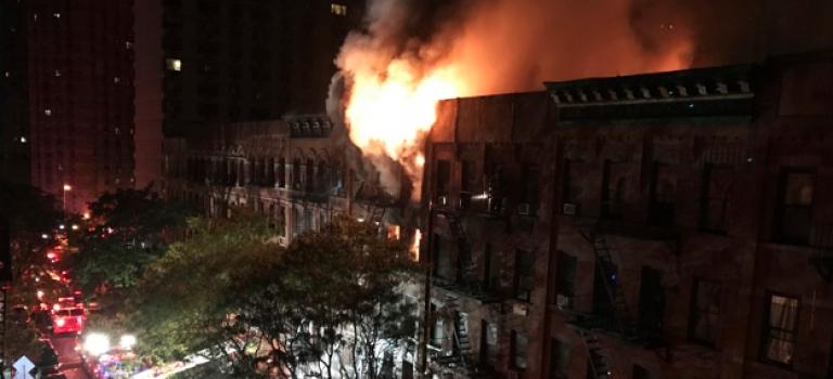 紐約上東區住宅樓今晨發生大火,1人死亡17人受傷