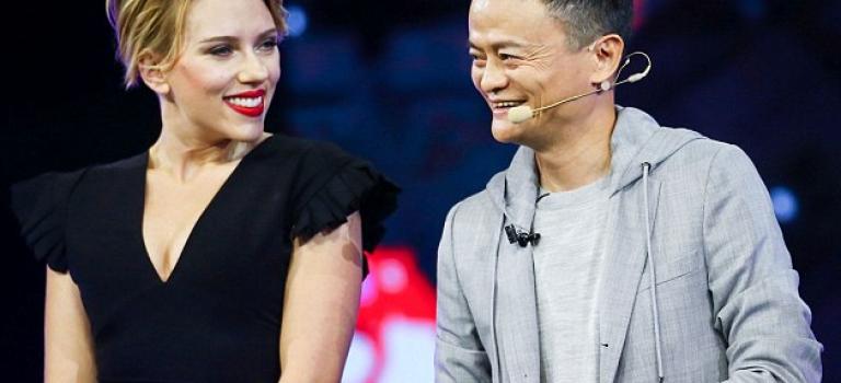 Scarlett Johansson出席中國活動,性感度爆表噴鼻血!