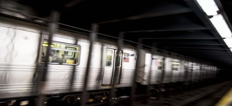 """紐約地鐵工作人員接連遇襲,只因襲擊者""""憎恨白人"""""""