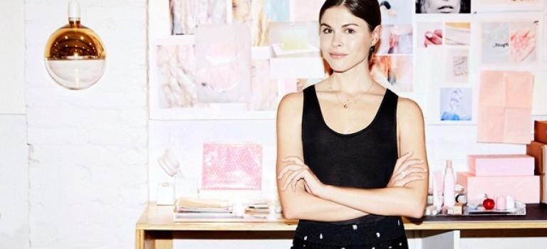 週末好去處!網紅美妝品牌Glossier實體店落戶紐約曼哈頓
