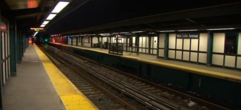 慘!14歲少年試圖跳躍站台,不幸命喪紐約地鐵