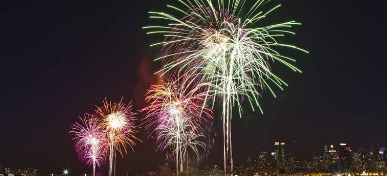 想看紐約跨年夜煙花又不想人擠人?還有這些方法可以享受絢爛天空哦~