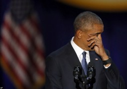 3c095e6e00000578-4105722-president_barack_obama_wipes_his_tears_as_he_speaks_at_mccormick-a-44_1484106366353