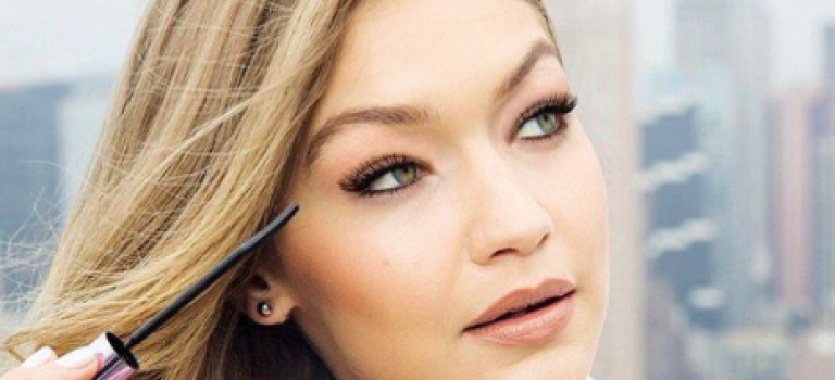Gigi又接新廣告代言化妝品,無可挑惕的美!