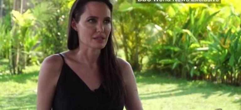 數度哽咽!安吉麗娜面對鏡頭首次談離婚:這是一段很艱難的時光