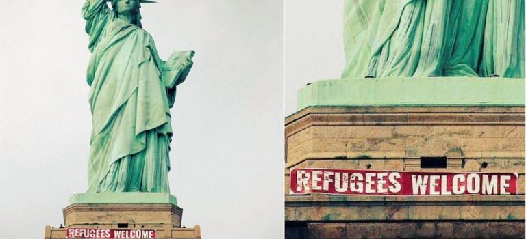 """自由女神也""""發話""""了:掛出橫幅,歡迎難民!"""