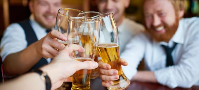 Dream Job來了!啤酒公司請暑期工,$12K請你喝酒+旅遊