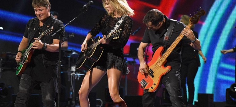 Taylor Swift受夠了!即將推出個人音樂系統,為自己的音樂維權!