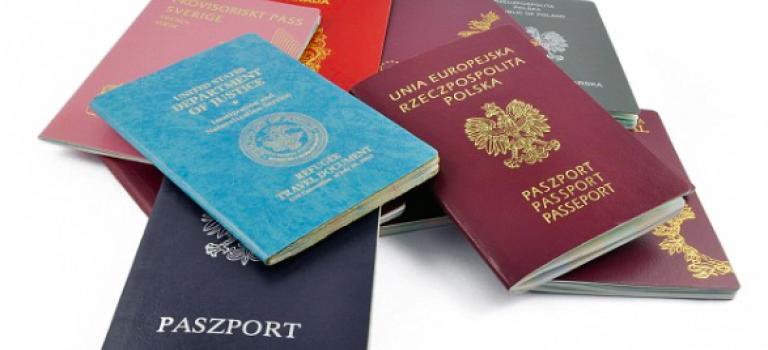 原來全世界護照只有四種顏色!而且意義竟然是這樣的~