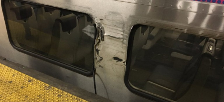 新澤西的小伙伴注意了!Penn Station火車出軌撞上NJ Transit列車